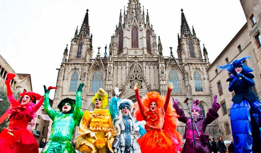 Carnival in Barcelona costumes